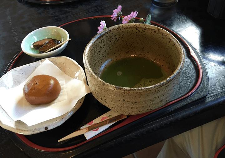 茶道具の一つ「千歳盆」の概要