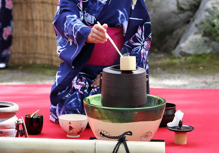 茶道における柄杓の扱い方(作法)