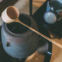茶道具「柄杓」について、歴史や特徴、扱い方や保管方法まで徹底解説