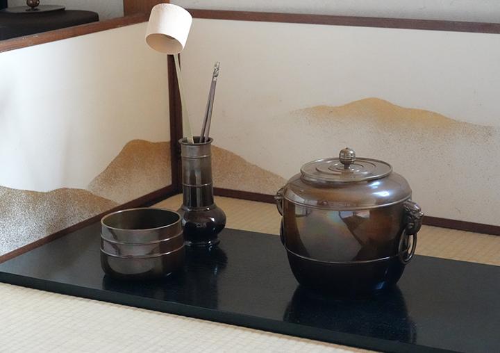 茶道具の一つ「建水」の概要