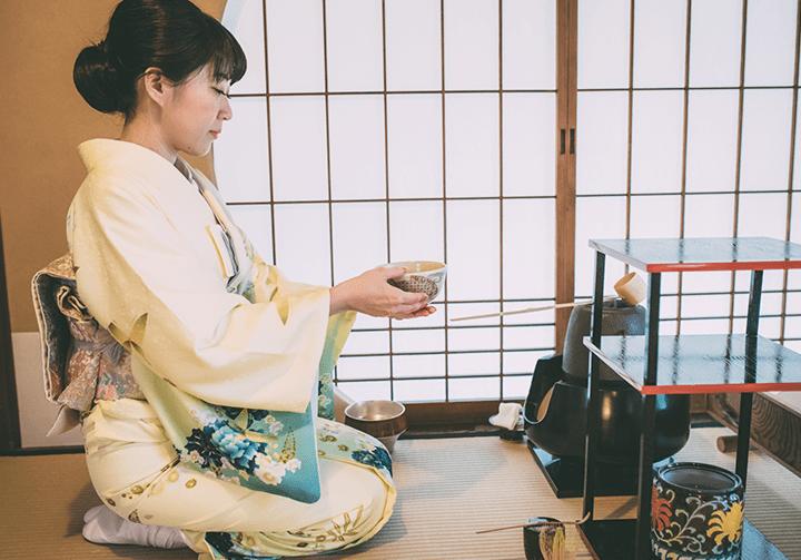 茶道における水指の扱い方(作法)