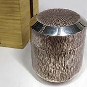 特殊な素材の茶入(濃茶器)かどうか