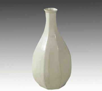 白磁花入れ(花瓶) 中国骨董栄時代の作