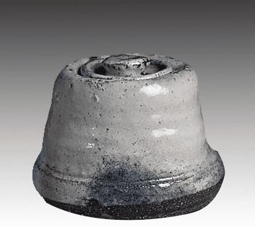 萩焼水指 11代三輪休雪作(高さ:約15cm、幅:約20.8cm)